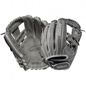 "2020 Wilson WTA20RF191175 11.75"" A2000 Fastpitch Softball Glove"